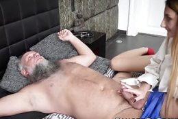 Überraschung des Mannes, der Sex mit einem Pornostar hat